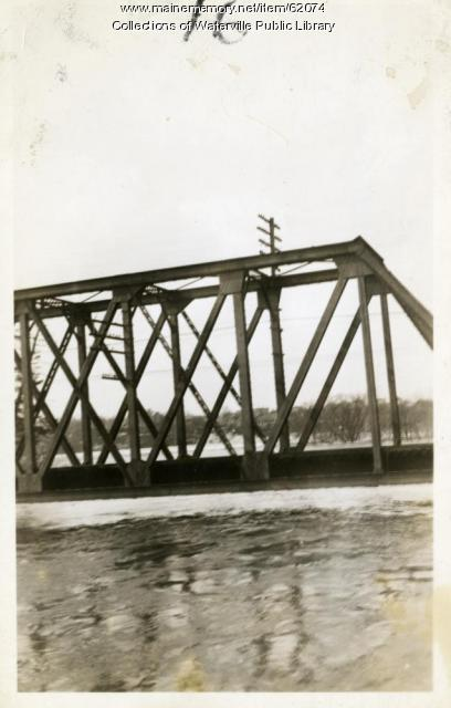 Near-flooded bridge, Winslow, 1936