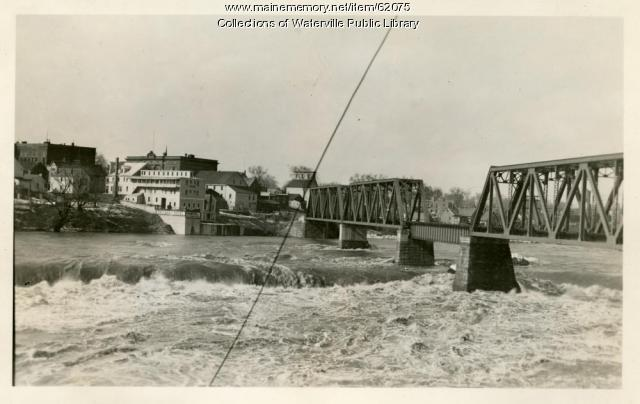 Floodwaters at the Waterville and Winslow railroad bridge, 1936