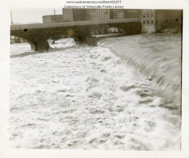 Kennebec River dam overflowing, Waterville, 1936