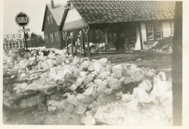 Ice chunks at a gas station, Waterville, 1936