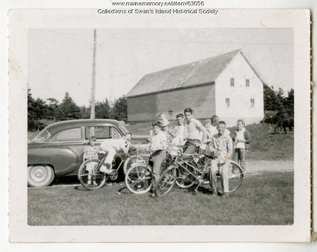 Swans Islanders on their bikes, ca. 1960