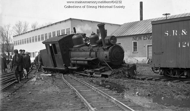 S.R.R.L. Engine# 20 jumps the switch, Strong, ca. 1925