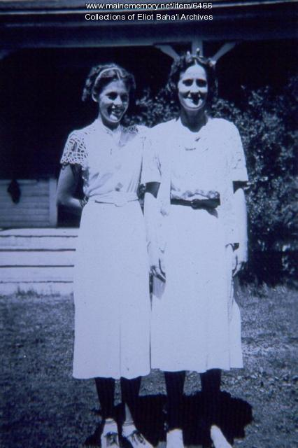 Dorothy Beecher Baker and her daughter, Louise, 1938
