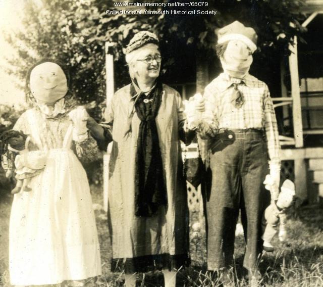 Connie Duran with Raggedy Ann & Andy, Cousins Island, ca. 1920