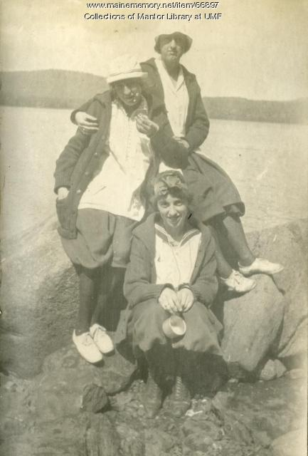 Class Day at Clearwater Lake, Farmington State Normal School, 1918