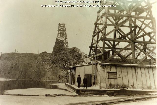 Hollingsworth & Whitney log piling process, Winslow, 1936
