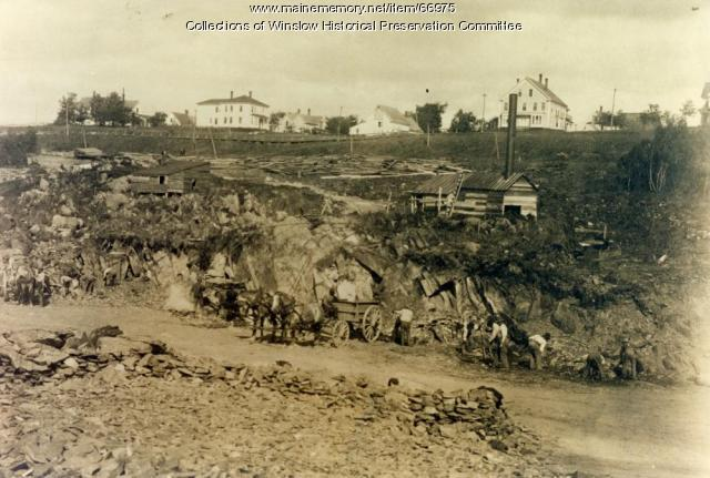 Digging Hollingsworth & Whitney Company canal, Winslow, ca. 1906