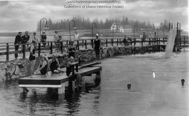 Swimmers in Newagen Inn