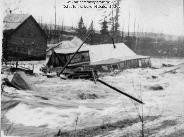 Gerry's Mill goes downstream, Lovell, 1953