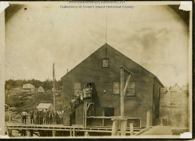 Sardine cannery and workers, Swan's Island, ca. 1900