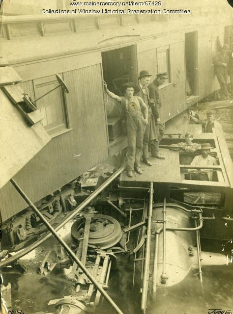 Narrow Gauge Train Derailment, Alna, 1905