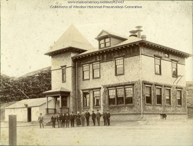 Hollingsworth & Whitney Co. main office, Winslow, ca. 1905