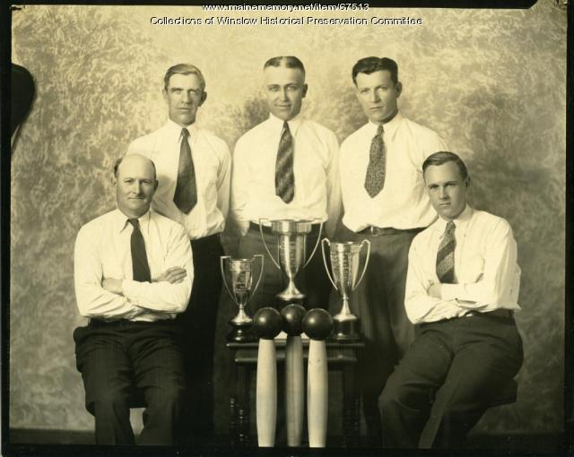 Bowlers with trophies, Winslow, ca. 1940