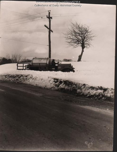 Fire truck, Surry, 1947