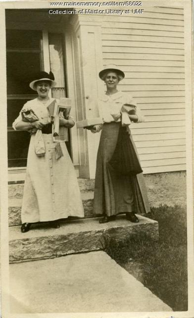 Saturday shopping, Farmington, c. 1915