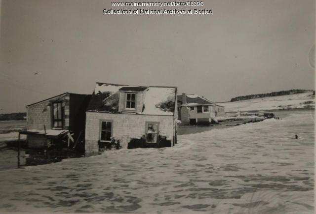 Storm damage, Scarborough, 1945