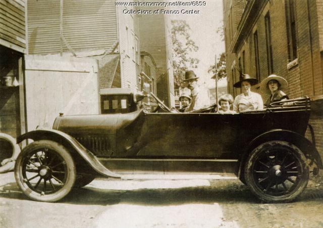Levesque family in automobile, Lewiston, 1917