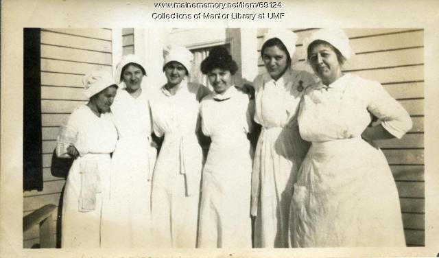 Home Economics students, Farmington State Normal School, ca. 1916