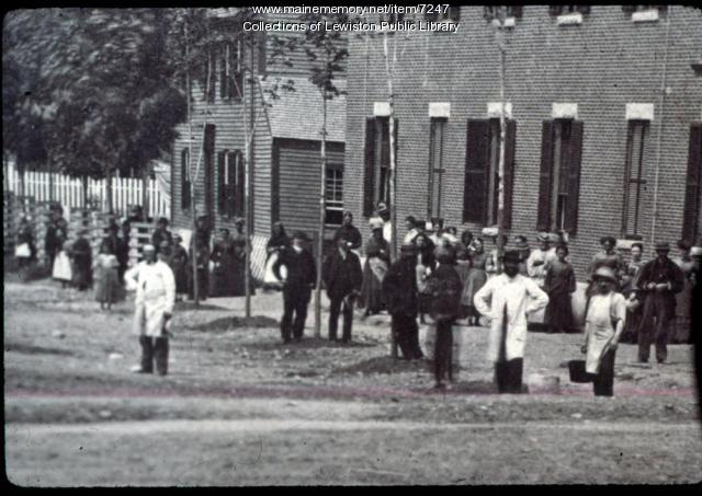 Lincoln Mill workers