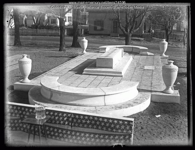 World War Memorial, Kittery, 1924