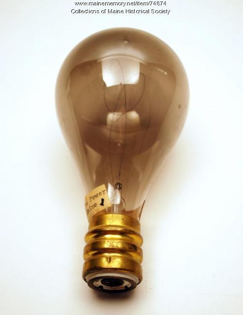 Bulb with carbon filament, ca. 1905