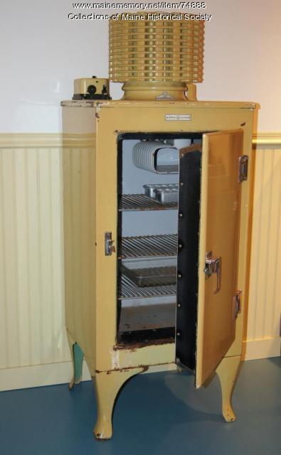 Monitor Top Refrigerator Ca 1927 Maine Memory Network