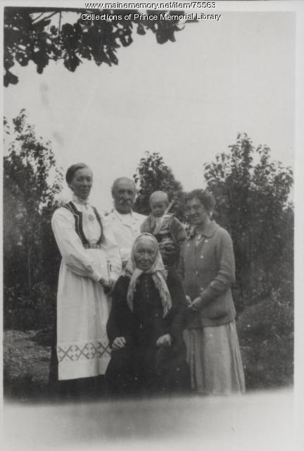 Annah Butler Richardson, Albert, and friends, Norway, ca. 1917