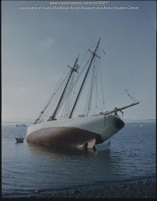 'Bowdoin' beached for repairs, 1947