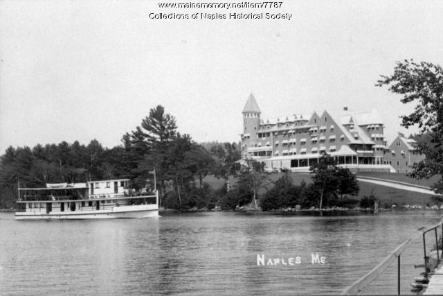 Bay of Naples Inn with steamboat in background