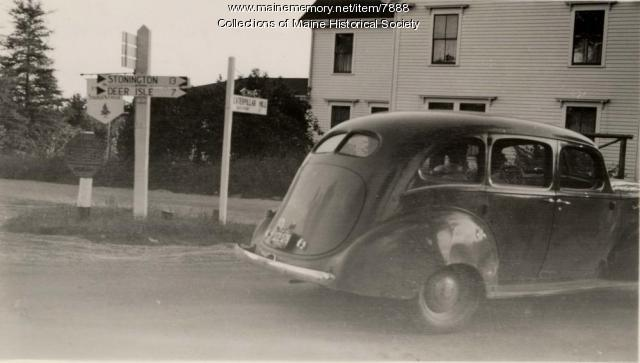 Stonington road crossing, 1942