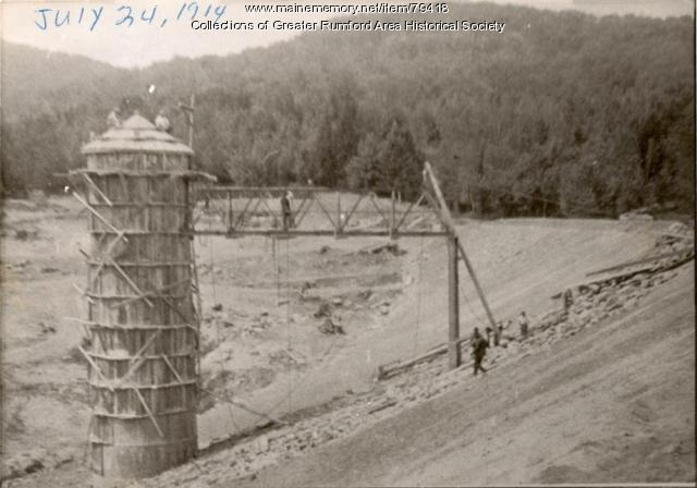 Mt. Zircon Resevoir construction, Rumford, 1914
