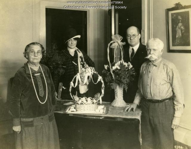 Mellie and Gram Dunham on tour, Cleveland, ca. 1926