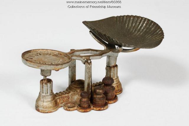 Miniature scale, ca. 1900