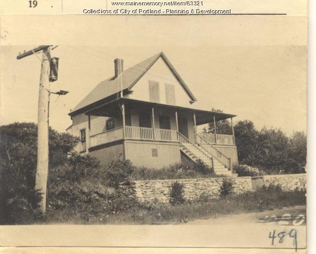 Young property, W. Side Seashore Avenue, Peaks Island, Portland, 1924