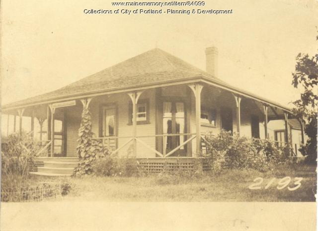 Fogg property, East side Beach Avenue, Long Island, Portland, 1924