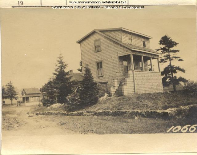 Maban property, E. side Veteran Street, Peaks Island, Portland, 1924