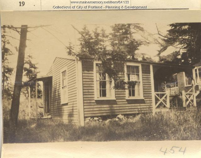 Connolly property, E. Side Veteran Street, Peaks Island, Portland, 1924
