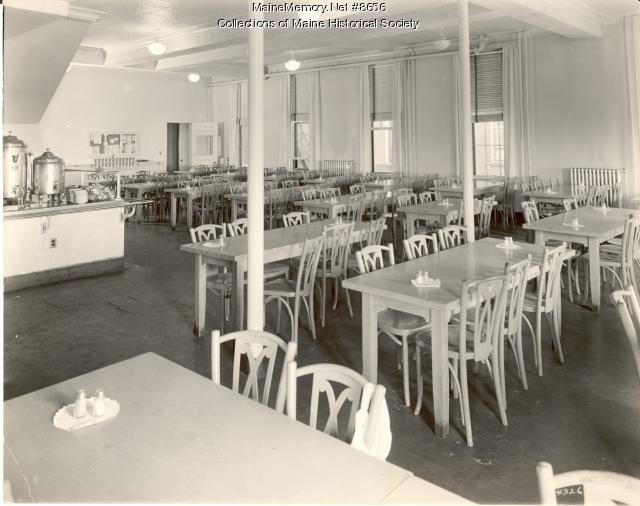 Student Nurses' dining room, Portland, 1942