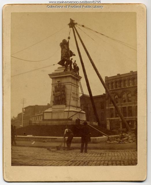 Erecting monument in Monument Square, Portland, 1891