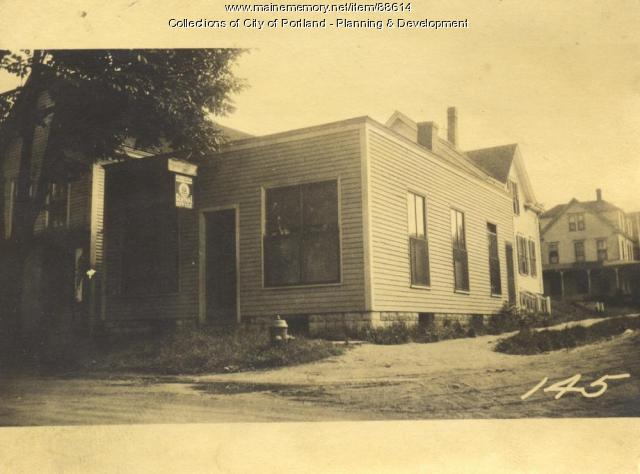Portland Investment and Improvement Company property, E. Side Island Avenue, N. Side Center Avenue, Peaks Island, Portland, 1924