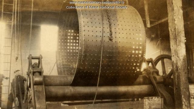 Rolling shell, vertical boiler, Portland Company, ca. 1920