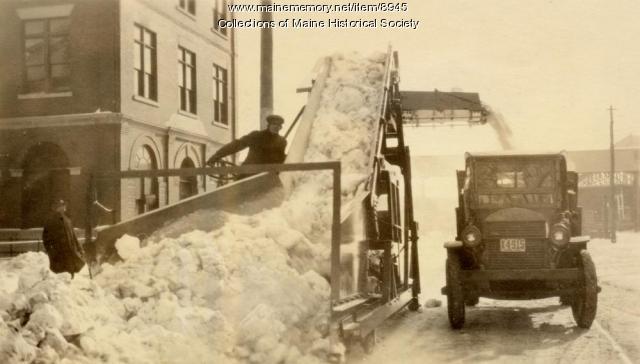 Sargent snow loader, Portland, 1927