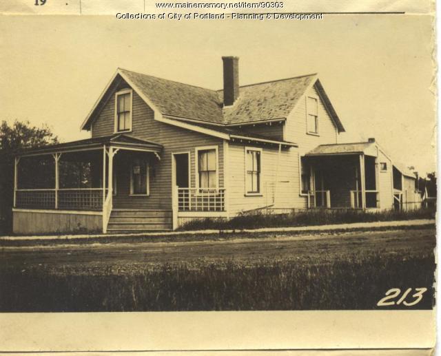 Plummer property, N. Side Brackett Avenue, Peaks Island, Portland, 1924
