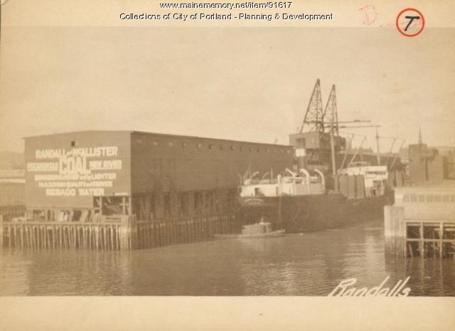 Coal Pocket, Commercial Street, Portland, 1924