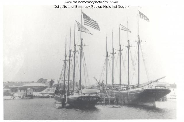 Schooners at West Boothbay Harbor ice wharf, 1907