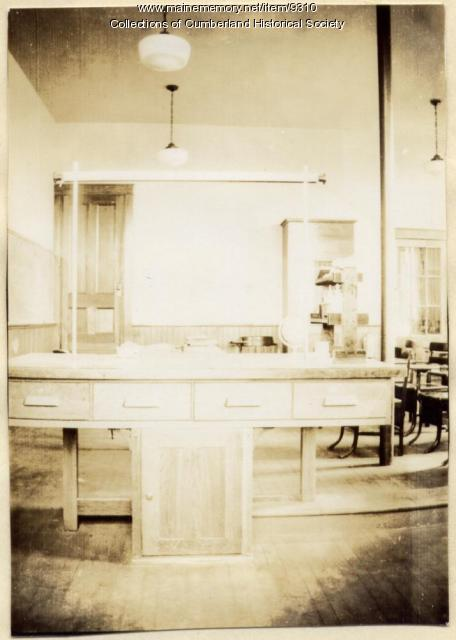 Science lab in Greely Institute, 1935