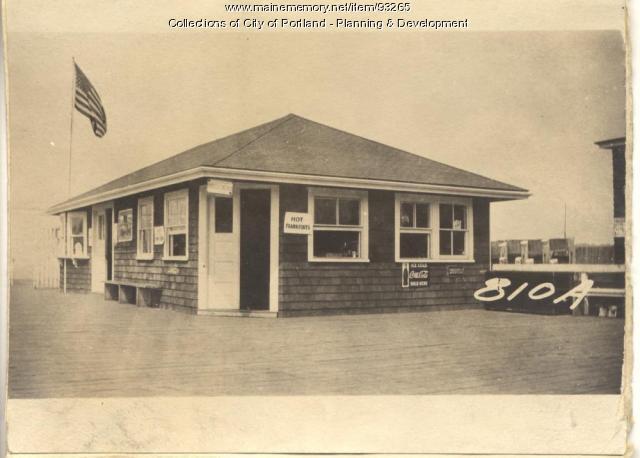 Casco Bay Wharf Company property, Forest City Landing, 1 Welch Street, Peaks Island, Portland, 1924