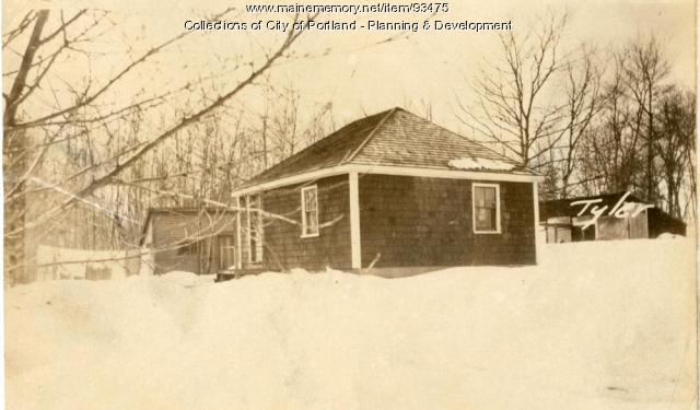 Barn, Tyler Street, Portland, 1924