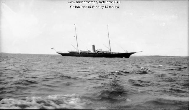 Steam Yacht, Boothbay Harbor