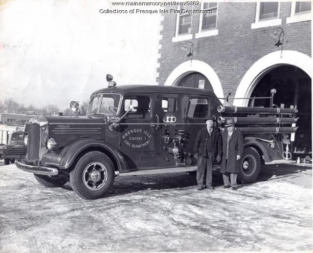 1947 Mack pumper
